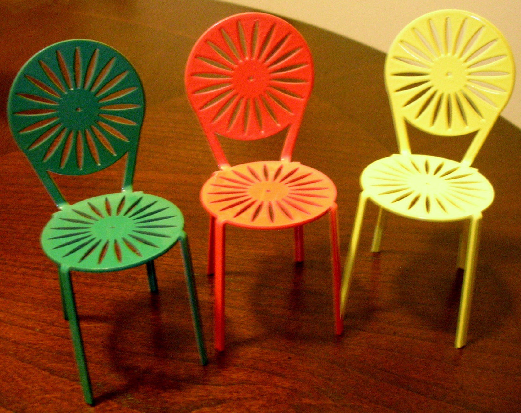... every Madisonian and every student or alum of the University of Wisconsinu2014Madison will recognize the design on these three matching miniature chairs. & Allison in Madison: Terrace chairs | Allison M.